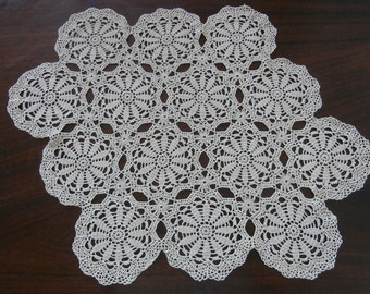 Square Crochet Doily, Ivory Doily, 17x17 inches, Home decor, Centerpiece, Vintage, Table decoration,  Lace doily, Table mat, Table topper