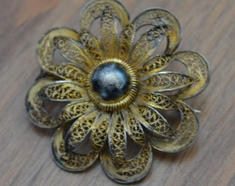 Lovely antique victorian / edwardian filigree cannetille gold over coin silver floral flower brooch