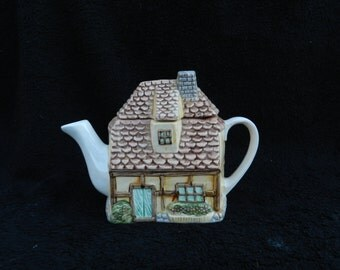 VintageTeapot: Ceramic Hand Decorated
