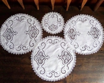 Vintage Madeira Filet Lace White Doily Lot 4 Doilies