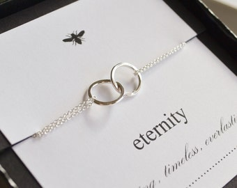 Sterling Silver Entwined Rings Eternithy Bracelet....Sister, Mother, Friend, Bridesmaid, Daughter