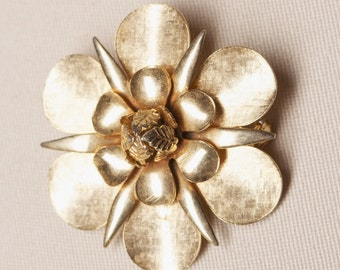 Vintage Gold Tone Floral Brooch