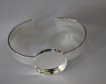 5 x Silver plated solid bangles with 25mm bezel tray