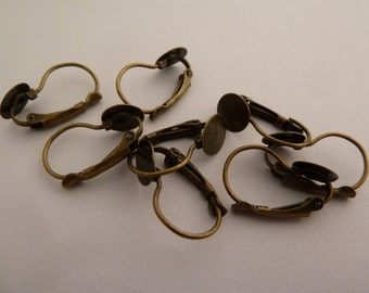 10 x lever back earrings with glue pad- Antique Bronze