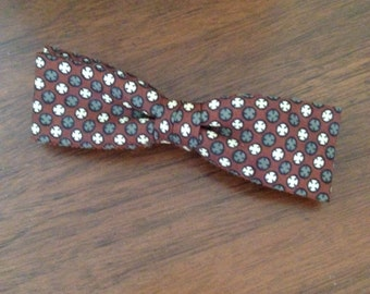 Retro 50s clip bow tie in Mid Century Eames Style Print