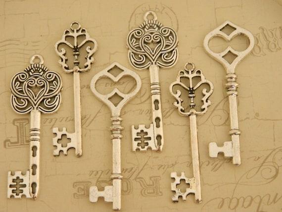 Set of 12 rustic style silver tibetan skeleton keys charms wedding