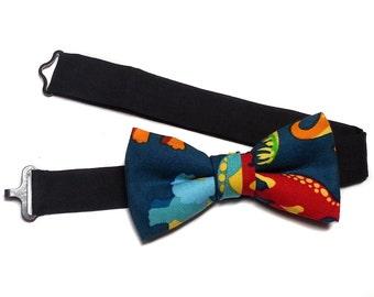 Dinosaur  Kids Bow Tie, Bow Tie for Kids, Infant, Newborn, Dinsosaur Print Bow Tie