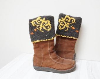 Boot cuffs hand knit butterfly Leg warmer Scandinavian topper yellow brown cable knit patterned folding ready to ship Wool crochet