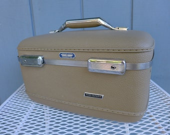 Vintage Beige Tan American Tourister Train Case with Mirror Tri Taper Cosmetics Travel Case Art Craft Supplies Storage Box