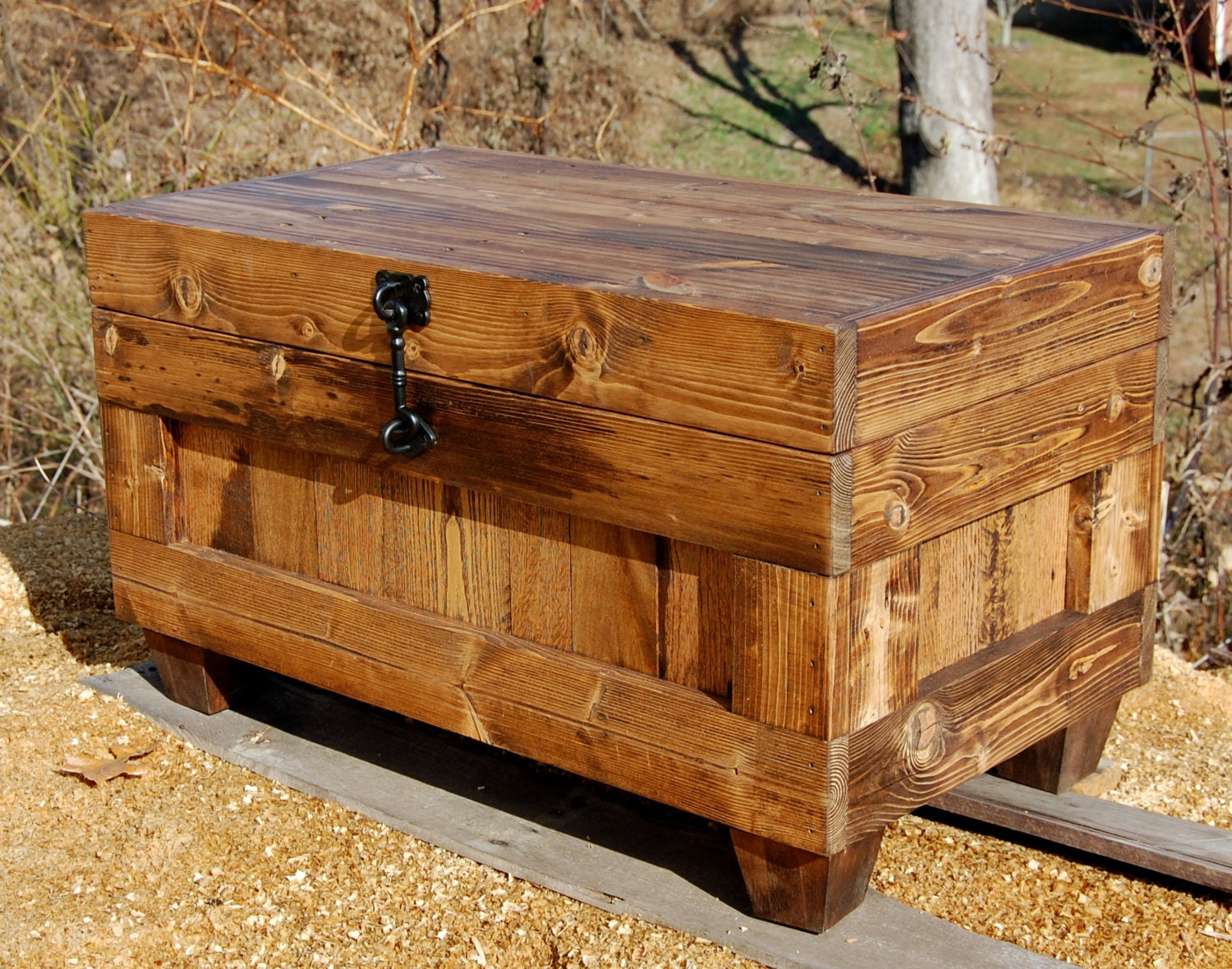 Hope chest coffee table end of the bed bench entry storage - Table at the end of the bed ...