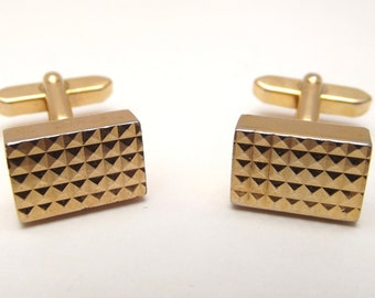 Vintage Mid Century Modernist 1960's gold-tone metal geometric pyramidal surface cuff links