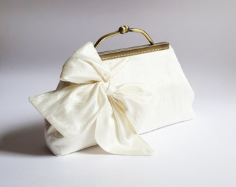 Ivory Wedding Clutch, bridal clutch,  Clutches bridesmaid, BOW Clutch, Bridesmaid gift, party clutch Purse, evening clutch, silk clutch