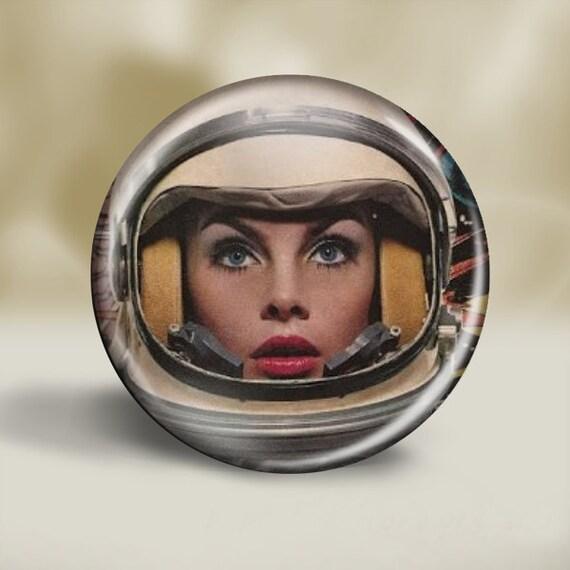 girl in astronaut helmet - photo #6