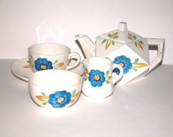 Rare Art Deco Geometrical Designed hand painted Tea-set for one cup