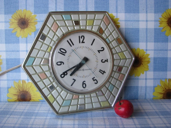 General Electric Mosaic Tile Hexagon 2118 A Wall Clock