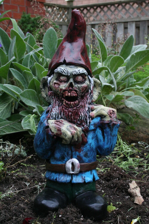 Gnome In Garden: Willie Walker Zombie Gnome