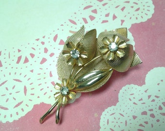 vintage brooch pin costume jewelry flower leaf