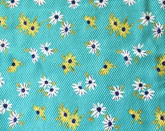 Vintage Cotton Fabric: Blue Daisy Floral Print 2.9 Yards