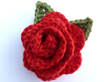 Large red crochet rose brooch (2 1/2 ins diameter excluding leaves)