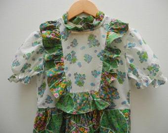 Girls Dress SIZE 8-10yrs Green Floral Peasant Vintage 1970's