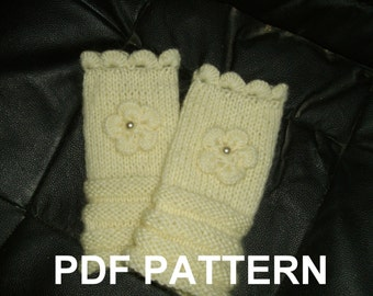 PDF PATTERN for fingerless gloves, wristwarmers.  Ivory white with scallop edge and flower