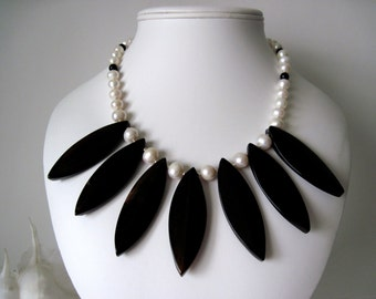 black sardonyx and pearl necklace