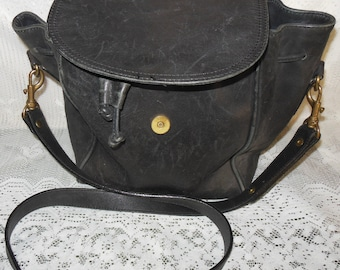 "1970 Ladies Black Leather Shoulder Bag 20"" Strap Drop Made in China"