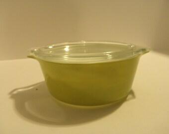 Pyrex Light Avocado Casserole 1 1/2 Quart