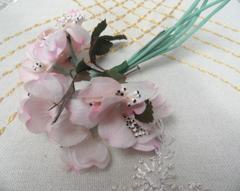 Millinery Corsage / Gorgeous pink silk vintage pin back floral spray