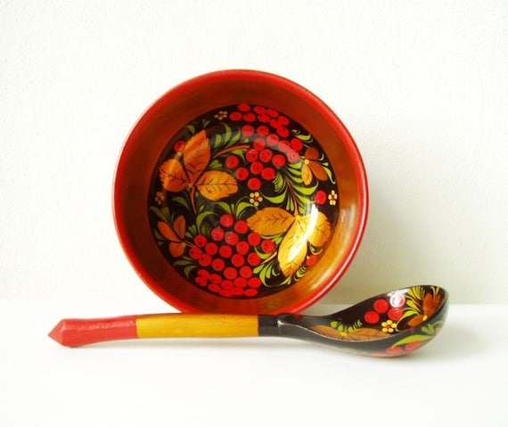 Wooden Bowl and Spoon Russian Vintage Khokhloma Folk Art Set Soviet Memorabilia Wood Trinkets Round Bowl Colorful Home Decor