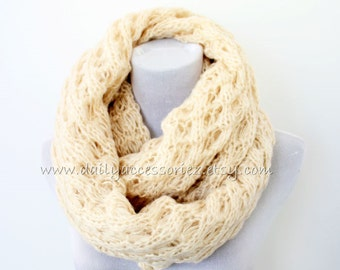 Chunky Knit Scarf, Ivory Knitted Scarf, Winter Infinity Scarf, Cozy Loop Scarf, Womens Gift, For Her, Christmas Gift, Holiday Gift, For Mom