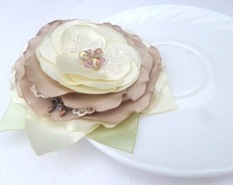 Jewelry, Accessories , Brooch flower, Wedding ,Cream brooch, White, Ivory, Beige,Romantic brooch, Bride, Wedding Accessories , Flower brooch