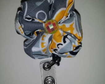 Gray and yellow kanzashi flower retractable badge holder reel
