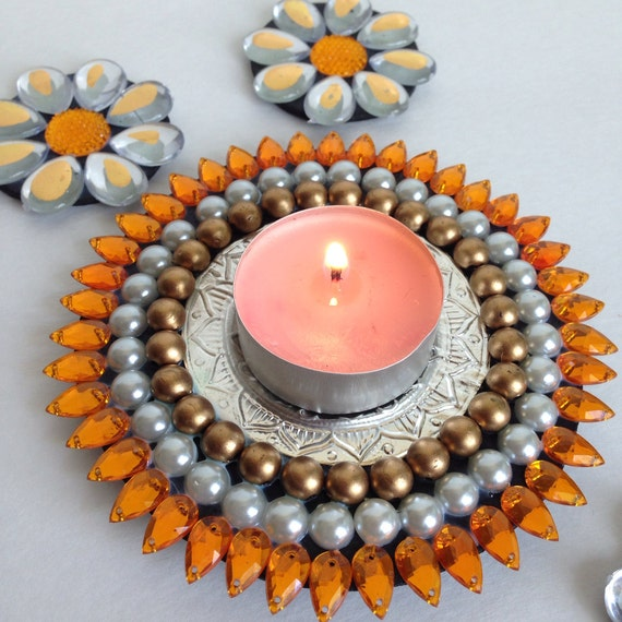 sunflower floating tea light candle holder with floating. Black Bedroom Furniture Sets. Home Design Ideas