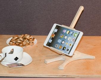Wooden iPad Stand, ipad stand, tablet holder, Office stand, office accessory, iPad Holder, Tablet organizer, iPad organizer, kitchen stand