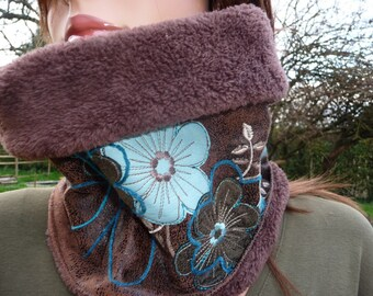 simili-cuir vieilli collarband / snood, brown & turquoise