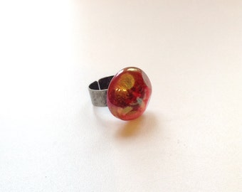 Iridescent pink glass ring