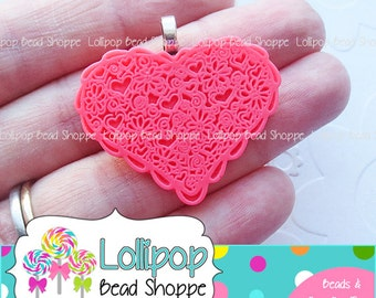 2 DARK PINK Lace HEART Pendant Lacey Scalloped Heart Flat Back Resin Cabochon w/ Bails Acrylic Chunky Necklace Pendants Bubble Gum Beads