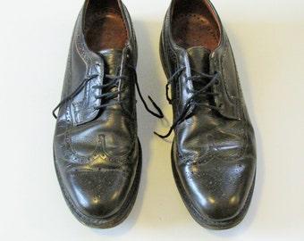 Vintage Dark Brown Leather Wing Tip Shoes - Mens size 12