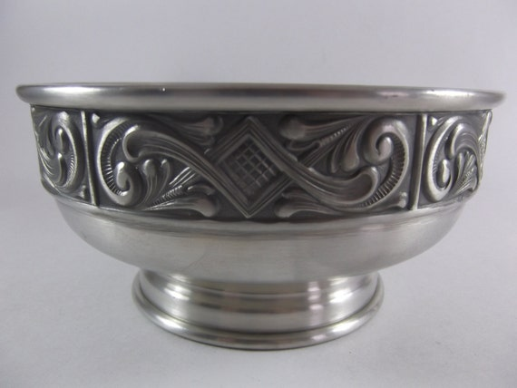 Nordic pewter centerpiece bowl footed midcentury by acornabbey - Footed bowl centerpiece ...