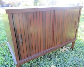 Mid Century LP Storage Cabinet, side table, storage cabinet,Danish modern decor,Turntable Stand,Phonograph Table,LPStorage,Turntable Cabinet