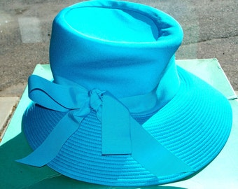 Vintage Wide Brimmed Ladies Hat**By Robinson's of California**Like New