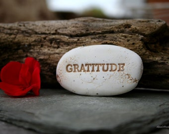 gratitude message stone, gratitude pocket stone, personalized friendship stones, ooak friendship gift