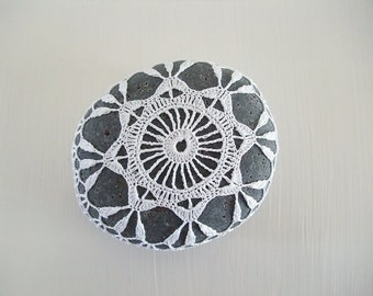 crocheted / lace stone, pebble, home deco, paper weight, handmade gift, tabletop deco