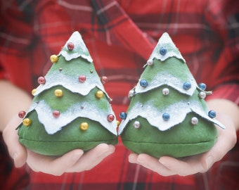 1 pair of christmas trees - fill it with everything you want - decorated fir trees, spruce, bag