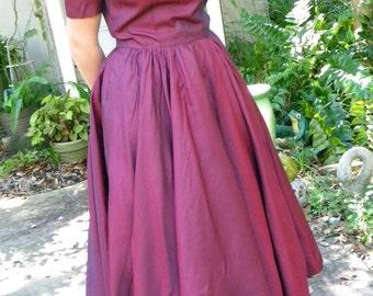 Stunning Wine Burgundy Vintage Ladies 1950s Full Circle Dress Sharkskin Shimmer June Cleaver Mad Men