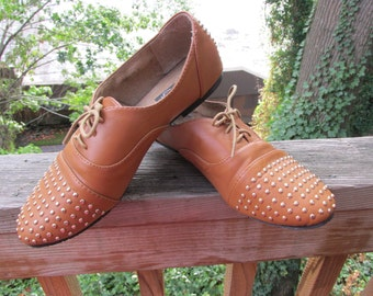 Super Cute Vegan Tan Gold Studded Lace Up Flats. US Wo's Size 8. Rocker Shoes//Sliders//Lace Up//Comfy Shoes//Skinny Jeans Approved