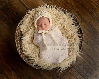 Newborn knit bonnet in Roving
