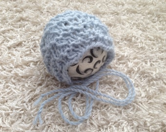 Newborn, 0-3,3-6,6-12 month and toddler size knit round back bonnet