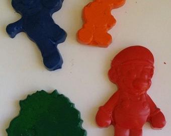 set of 4 super mario  crayons - super hero Birthday  - Party favor .- mario bowser  Luigi crayons - web crayons